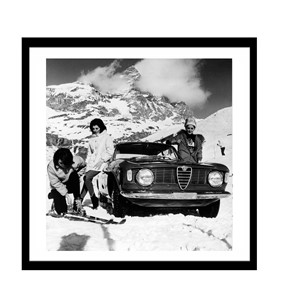 Glass picture w/frame Alfa romeo girls and skis 80cm x 80cm